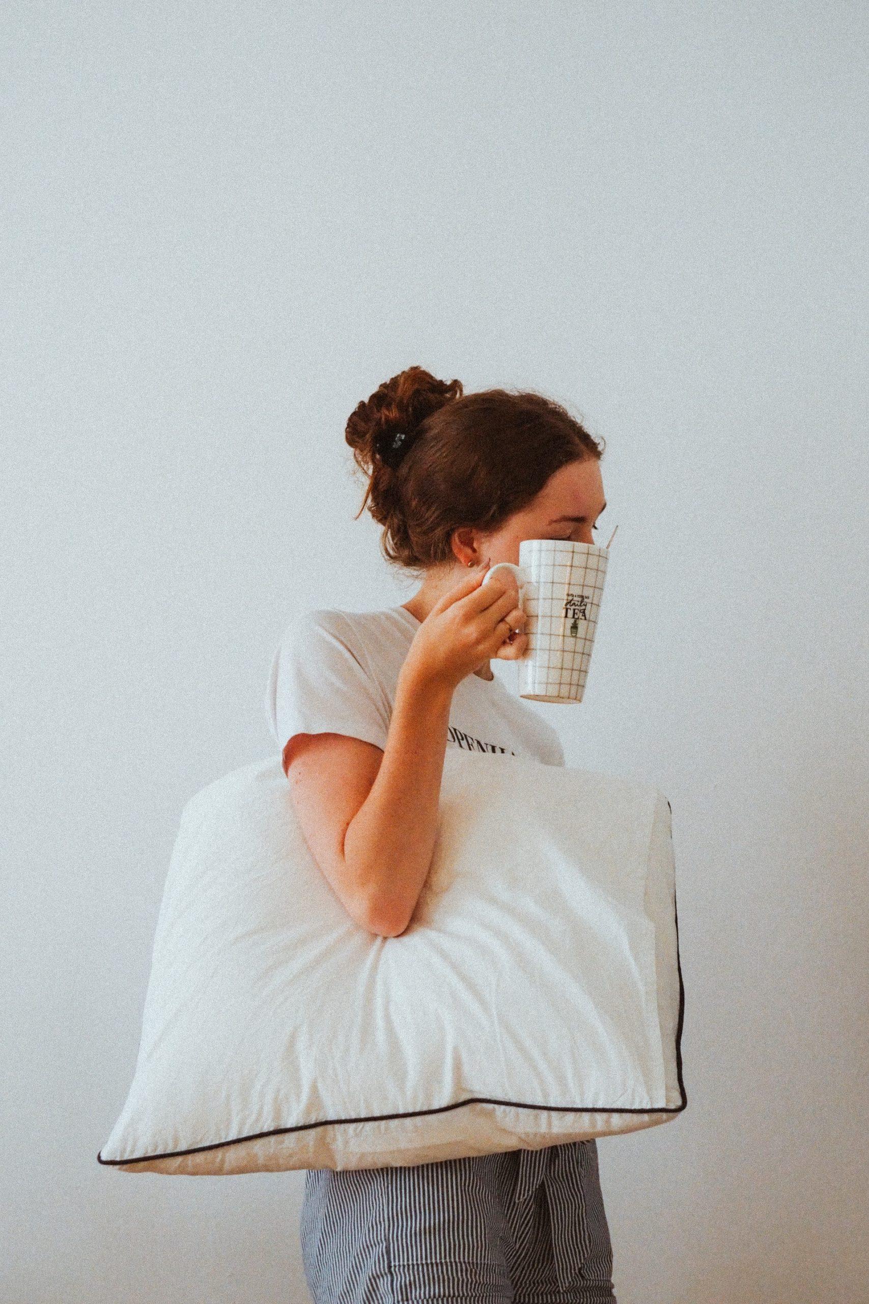 woman-pillow